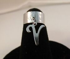 Toe Ring In A Hammered Ring 14Kt White Gold Ep Dangle Initial V