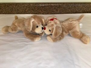 Hallmark Adorable Magnetic Touch Kiss Kiss Puppies Tan 3 AAA Batteries