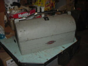 VINTAGE CRAFTSMAN TOOLBOX TOOL BOX DOME TOP LUNCHBOX MAILBOX STYLE SLIDE TRAYS