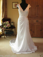 Chiffon V Neck Column/Sheath Plus Size Wedding Dresses