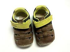 c5c316d66 Clarks Zapatos de bebé primera Marrón Cuero Sandalia EE. UU. 3.5