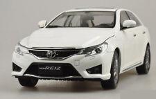 1:18 2014 Toyota Reiz Mark X Die Cast Model Limited Edition