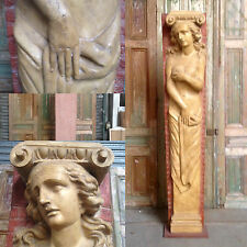 sculpture en résine fronton de façade de maison  patine original  . XX siècle .