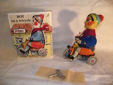 Blechspielzeug Junge auf Dreirad mit Antrieb von Kovap