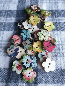 10 large 24mm mixed flower wooden sewing craft buttons 2 hole