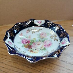 VICTORIAN FOOTED BOWL BLUE GLAZE WITH TRANSFER ROSE PICTURE & GILT DETAIL 24X7CM