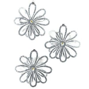 Metal Wall Flowers - 3D Art Decor with Vintage, Galvanized Look - Set of 3