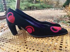 FENDI BLACK SUEDE PUMPS HEELS RED PINK APPLIQUE EMBROIDERED 39.5 MADE ITALY NEW