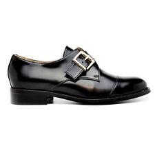 Zapato raso estilo Monk-Strap a puntera redonda y pala lisa con hebilla plateada