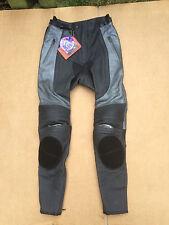 "FIGO Mens Race Leather Motorbike / Motorcycle Trousers Size UK 28"" Waist (T44)"
