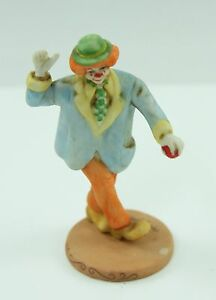Willitt's Design Clown Blue Jacket 5847 Circus Mary Keen 1986 Figurine