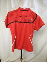 Mens Sports T-Shirt size L red polyester short sleeve fitted badminton NEW 1009