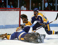 JAY WELLS AND  ROLLIE MELANCO LOS ANGELES KINGS  NOSTALGIA HOCKEY COLOR PHOTO H9