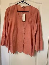 Solitaire , Peach Embrodered top Size Medium, New