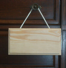 PLAIN WOODEN DOOR PLAQUE WITH ROPE
