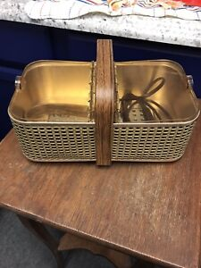 Vtg Salton Model BH-2 Hot Basket Bun Warmer Rolls W/ Cord And Tongs