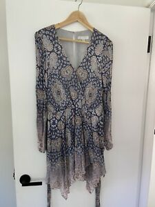 Forever new size 14 long sleeved floral dress