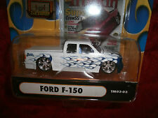 Muscle Machines Truckin' Die Cast Adult Collectible Ford-F 150 1:64