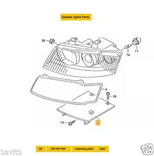 NEW GENUINE AUDI A4, A4 QUATTRO OFF SIDE HEADLAMP LOWER BRACKET 8E0941454
