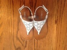 Dynasty Girls Sandals White Open Toes Size 8