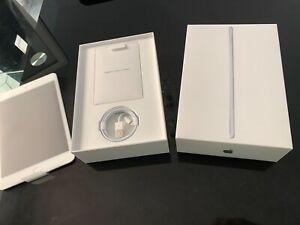 Apple iPad Mini (5ème génération) 64 Go, Wi-Fi, 7,9in - Argent