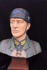 Busto de un Paracaidista Alemana ( Acabado policromada) (Artesanal)