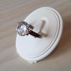 925 Sterling S Beautiful Cubic Zirconia Solitaire/wedding engagement ring 9.5mm