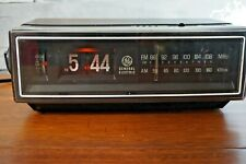 Vintage GE Flip Clock Radio Am / Fm Alarm General Electric 7-4305B Tested Works!
