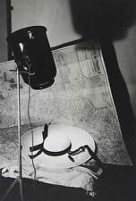 Monochrome Fotografien (1940-1970) mit Stillleben-Motiv