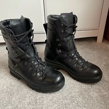 More details for s00625 gore tex men's british army boots vibram size uk 9m walking hiking rare