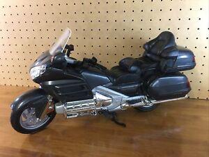 MOTORMAX 1/6 Motorcycle model Honda Gold Wing No.76264 GUC Fast Shipping Grey 👀