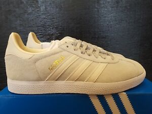 NEW IN THE BOX ADIDAS GAZELLE CG6065 LIGHT ASHIL SHOES FOR WOMEN