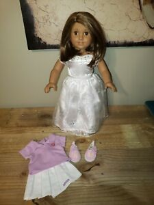 American Girl Pleasant Company Brunette Doll with Extra Outfit