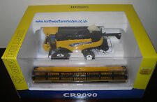 UH4004 Universal Hobbies 1/32 Scale New Holland CR9090 Combine Harvester (MIB)