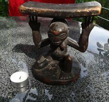 Kopfstütze aus Holz der Lega oder Luba Kongo Mitte 20. Jhd