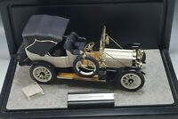 FRANKLIN MINT 1912 PACKARD VICTORIA CAR DIE CAST WITH DISPLAY NM 1/24 SCALE