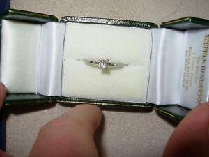 PLATINUM 0.26 CT PRINCESS CUT DIAMOND RING SIZE L 1/2 - USED