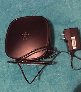 Belkin N450 4-Port Wireless N Router (F9K1105V3) pre-owned