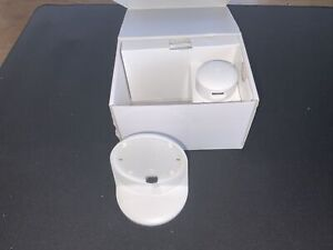Nest AT3000GB Stand for 3rd Generation Nest Thermostat - White - New