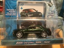 Maisto Playerz Luxury Diecast Collection 2005 Chrysler 300C Hemi Green 1:64 Car