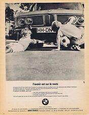 PUBLICITE ADVERTISING 015 1970 BMW l'avenir est sur la route
