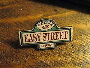 Delta Airlines 1988 Dallas Texas Airport Terminal E Easy Street 4E Lapel Hat Pin