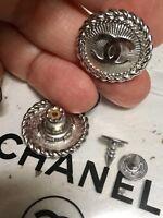 set 2 bottoni vintage metallo Logo Chanel - mm. 22 - argento