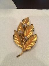 Faux Pearls Texture Leaves Large Gold Tone Leaf Brooch With