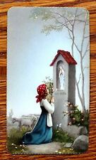 ANTIQUE SERIE AURORA 15 HOLY CARD YOUNG GIRL PRAYING STATUE OF MARY IN SANCTUARY