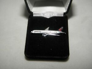 DELTA AIRLINES BOEING 777 AIRPLANE LAPEL TACK PIN PILOT F/A CHRISTMAS GIFT NEW