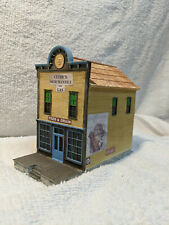 Ertl built and ready HO scale structure Clyde's Merchantile and Gas