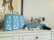 Vintage Jones Sewing Machine with Lid . ALFSSP1JA