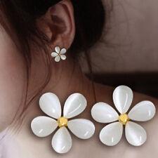 1 Pair Vogue White Cat Eye Flower Crystal Rhinestone Ear Stud Earrings Jewelry