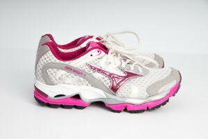 MIZUNO WAVE Enigma 2 Running Shoes Womens Sneakers sz US 6 WHITE PINK-Near NEW